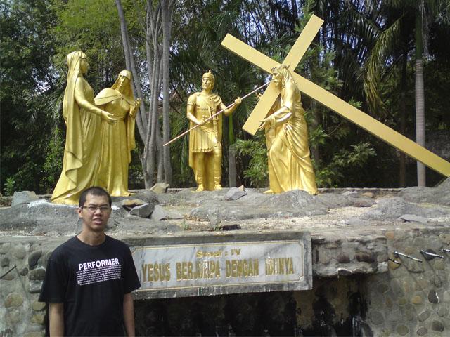 Perhentian Jalan Salib, Gua Maria Pohsarang, Kediri